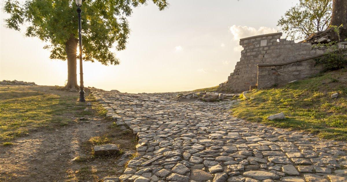 Muchas-calzadas-romanas-han-persistido-hasta-nuestros-dias_ebe5efdd_1200x630