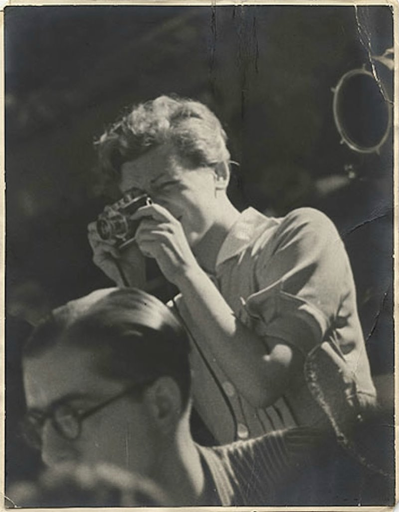 Retrato anónimo de Gerda Taro realizado pocos días antes de morir, en julio de 1937. © Gerda Taro © International Center of Photography/Magnum Photos/Contacto