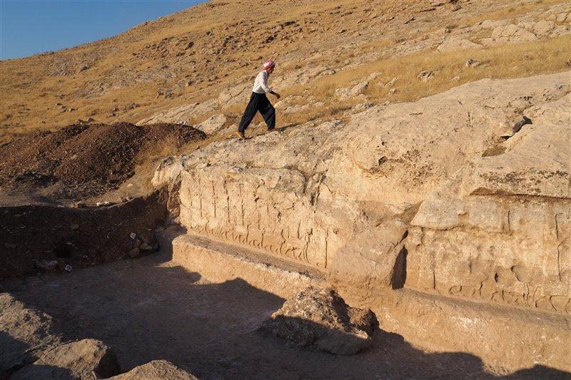 Sargón II hizo esculpir estos paneles, de cinco metros de alto por dos de ancho.
