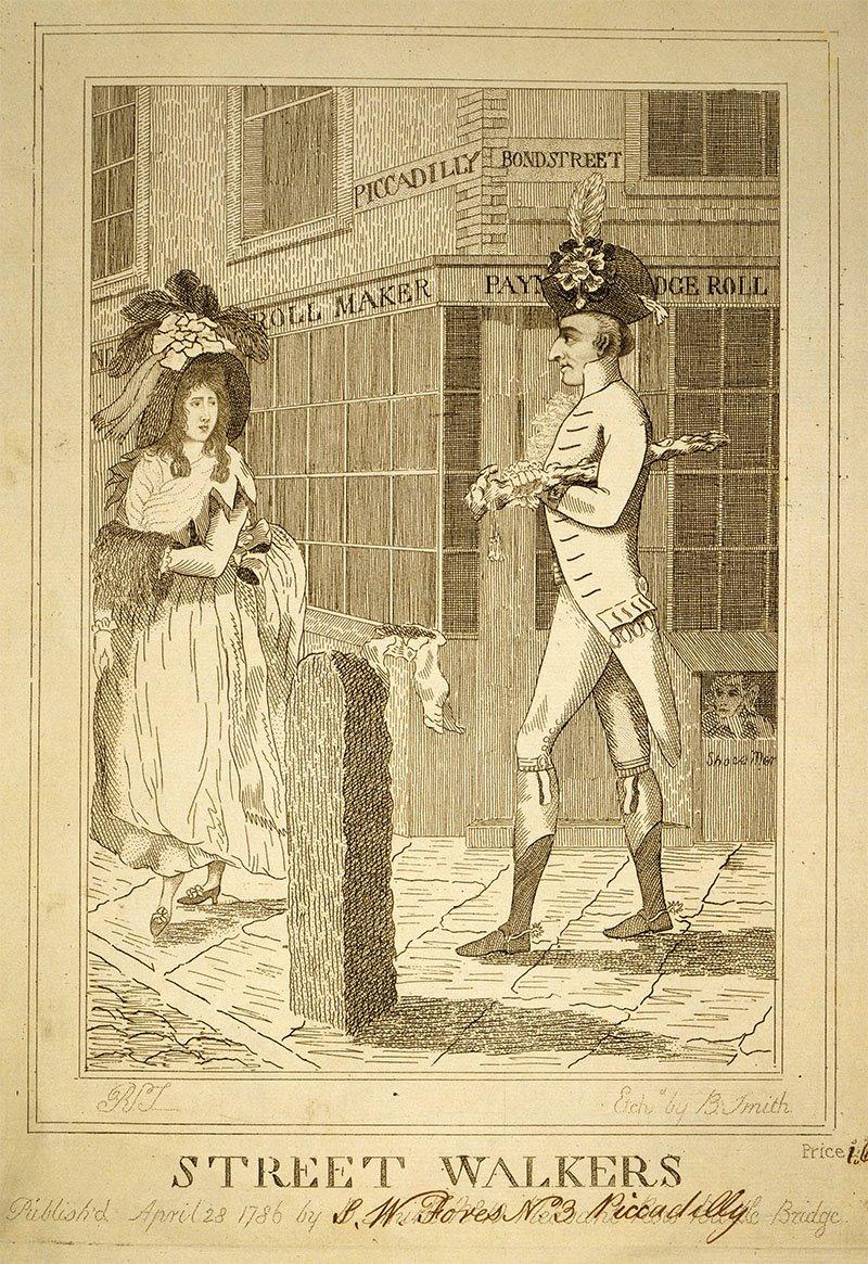 Dos viandantes caminan por una calle inglesa separados de la calzada por un bolardo en el siglo XVIII.
