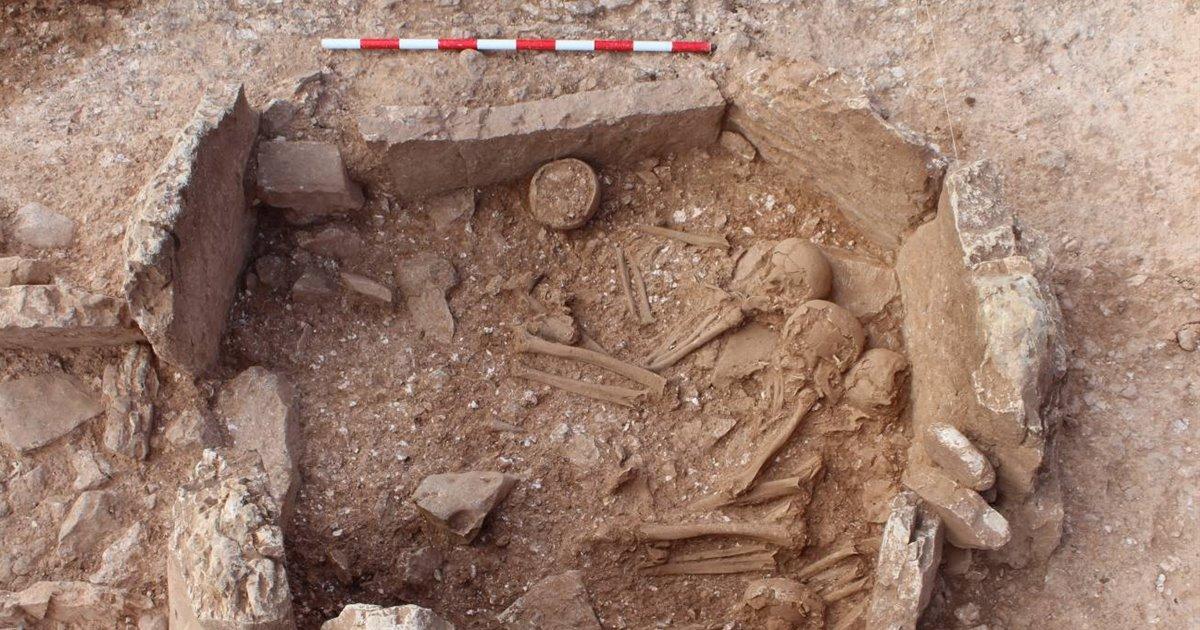 Las sociedades megalíticas desenterraban a los muertos hace 5.000 años