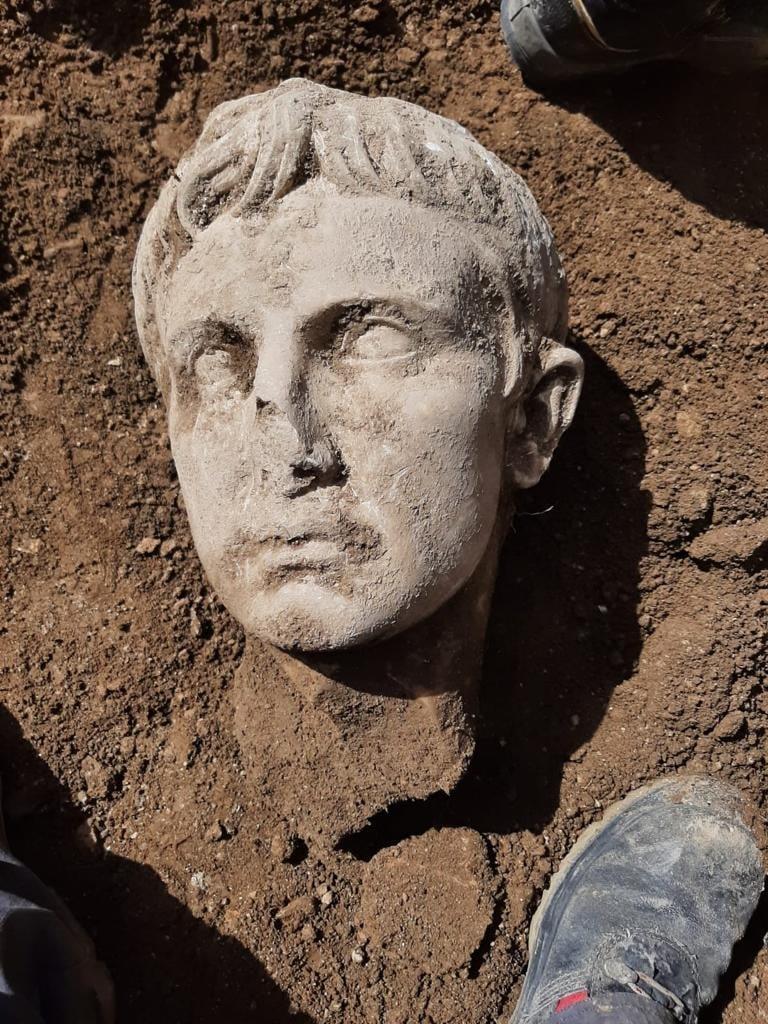 Detalle de la cabeza del emperador Augusto hallada en Isernia