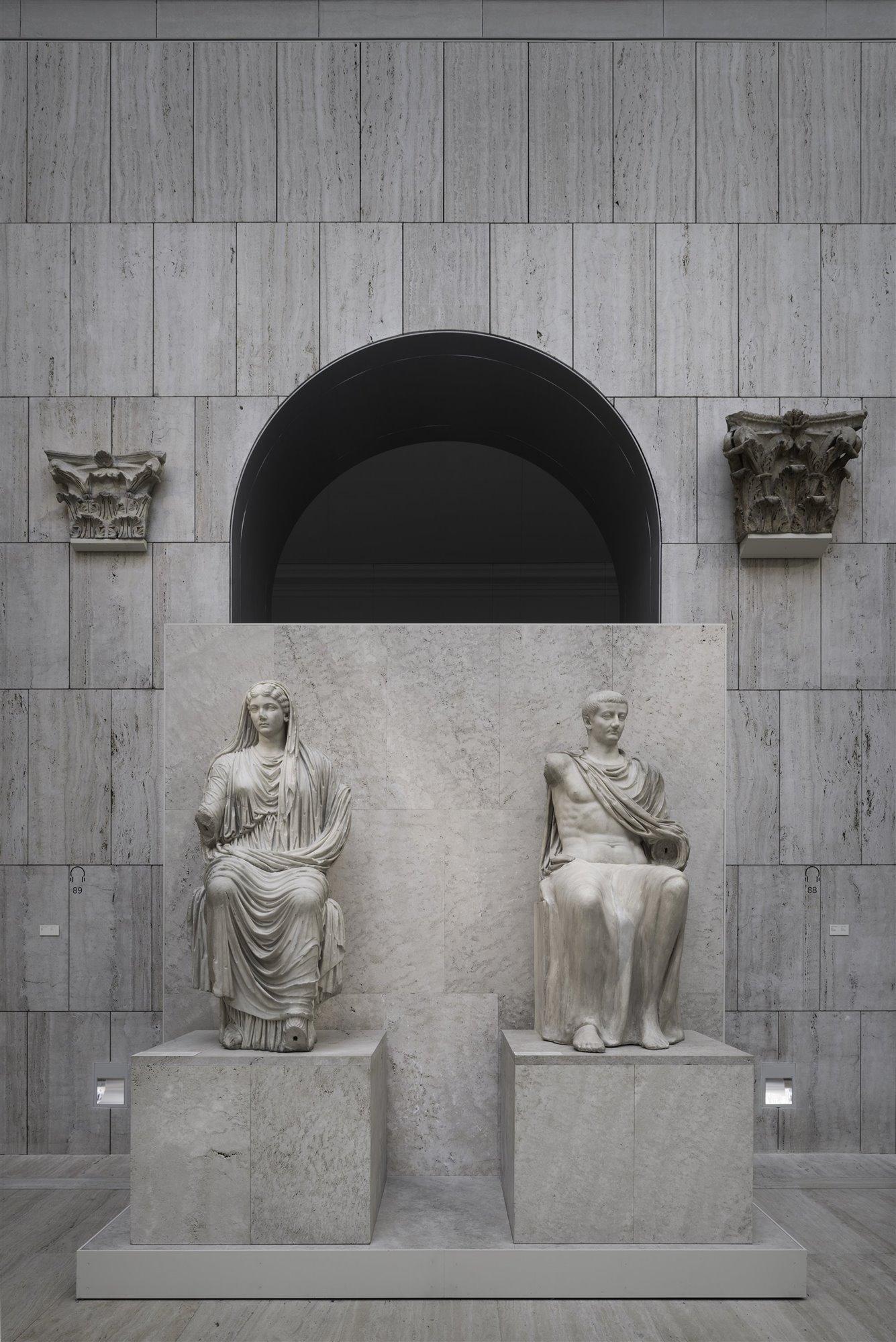 Las estatuas de Livia y Tiberio